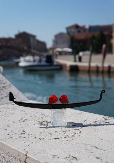 Large Gondola With Hearts In Murano Glass – Murano Art