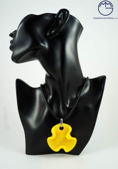 Flower – Murano Glass Jewelry – Necklace In Venetian Blown Glass