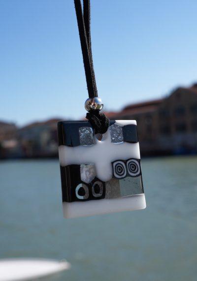 Secret – White Black Murano Glass Jewelry