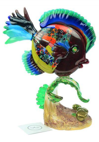 Scultura Pesce Tropicale Su Alga